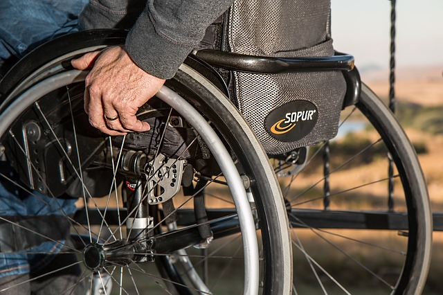 Assistente-all'Autonomia-ed-alla-Comunicazione-dei-Disabili.